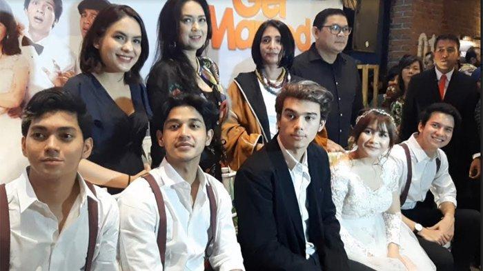 Prilly Latuconsina dan para pemain 'Get Married' series di peluncuran 'Get Married' series di CGV Grand Indonesia, Jakarta Pusat, Minggu (16/2/2020).