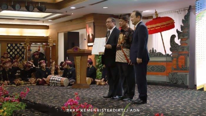 Mengenal Lebih Dekat Sosok Profesor Jan Youn Cho, Rektor Asing Pertama di Indonesia