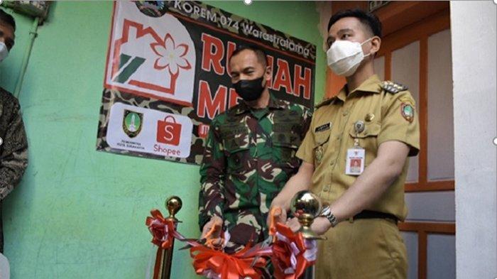 Gibran Rakabuming Saksikan Hasil Bedah Rumah Reyot Korem 074 Warastratama Surakarta dan Shopee