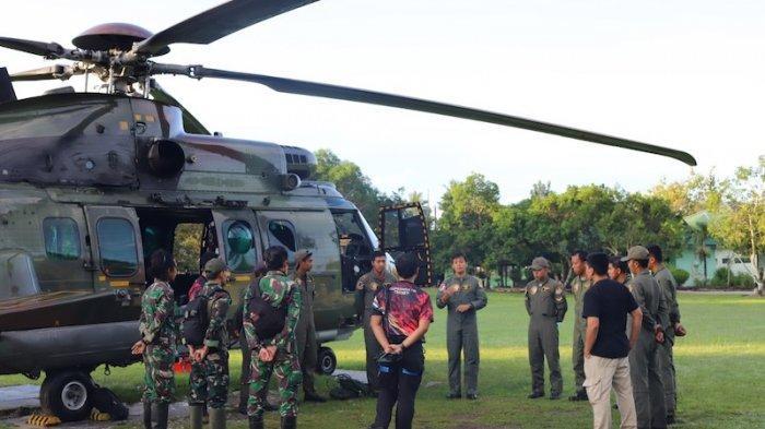 Heli Super Puma Koopsau II Dikerahkan Bantu Evakuasi 2 Jenazah Teroris Poso di Pegunungan Tokasa
