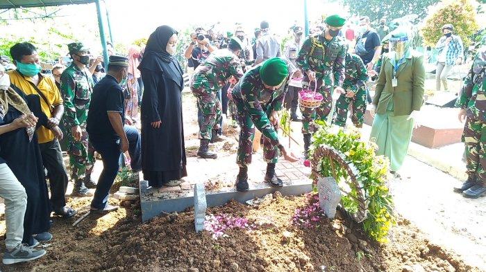 Keluarga Korban Kecelakaan Heli MI-17 di Pegunungan Bintang Papua Dapat Penghargaan KSAD