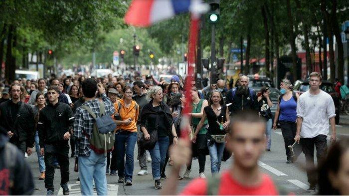 Rakyat Prancis Tolak Paspor Imun dan Perintah Vaksinasi, Ratusan Ribu Demonstran Turun ke Jalan