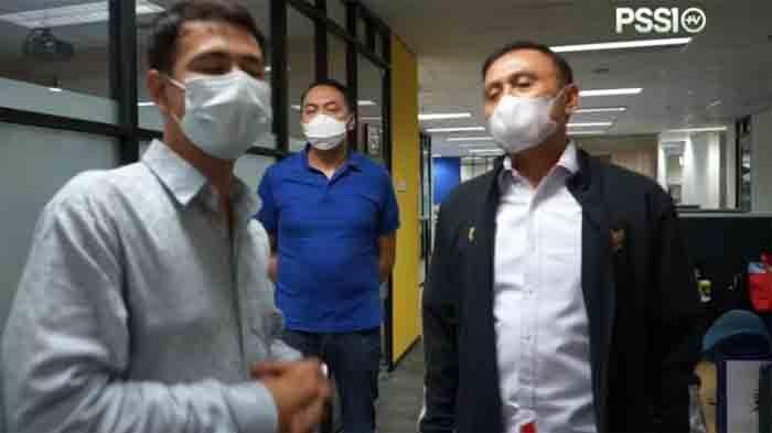 Raffi Ahmad Datangi Ketua PSSI, Iwan Bule Tantang Selebritis FC Tanding dengan PSSI dan Timnas