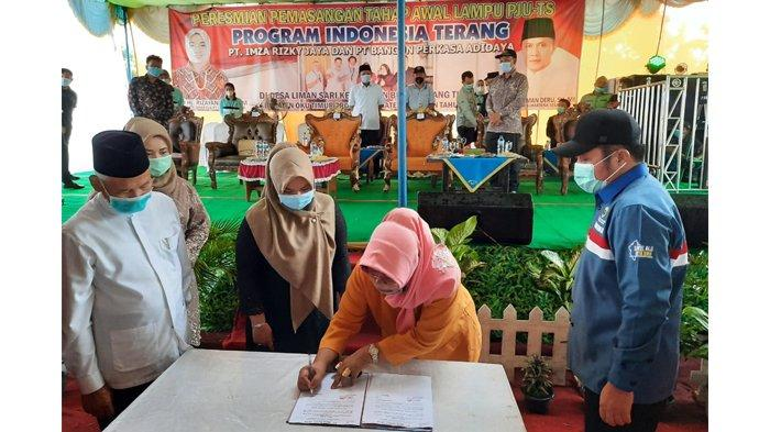 PT Imza Rizky Jaya Group Launching Program Indonesia Terang di Kabupaten Oku Timur Sumsel