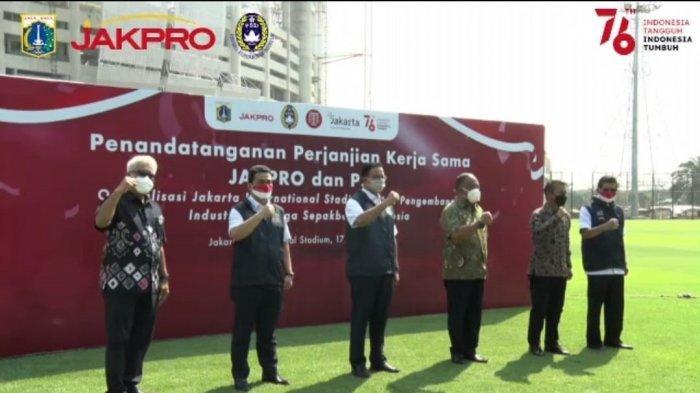 Manajemen Badan Usaha Milik Daerah (BUMD) DKI Jakarta, PT Jakarta Propertindo (Jakpro) mengadakan kerjasama dengan PSSI terkait optimalisasi Jakarta International Stadium untuk pengembangan industri olahraga sepakbola Indonesia, Selasa (17/8/2021).