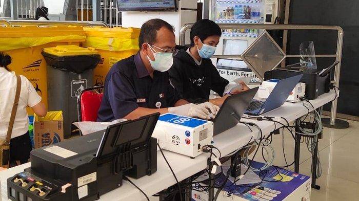 Dalam Tiga Hari, 2.500 Penumpang KAI Daop 1 Jakarta Tercatat Gunakan Test Covid-19 Genose di Stasiun