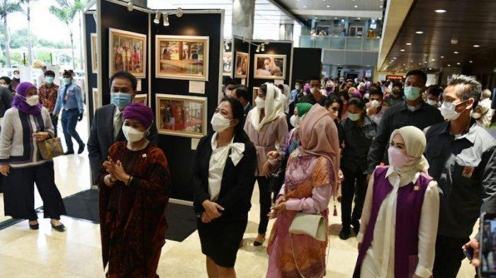 Buka Pameran Foto Kaukus Perempuan, Puan: Perempuan Mampu Menentukan Masa Depan Bangsa