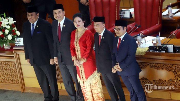 Puan Maharani resmi menjadi Ketua DPR periode 2019-2024 yang ditetapkan dalam rapat paripurna perdana DPR di kompleks parlemen, Senayan, Jakarta Pusat, Selasa (1/10/2019). Pada rapat tersebut sekaligus menentukan ketua dan wakil ketua DPR RI diantaranya Puan Maharani dari PDIP sebagai Ketua DPR RI, Azis syamsuddin dari Golkar sebagai Wakil Ketua DPR RI, Sufmi Dasco dari Gerindra sebagai Wakil Ketua DPR RI, Rachmat Gobel dari NasDem sebagai Wakil Ketua DPR RI, A Muhaimin Iskandar dari PKB sebagai Wakil Ketua DPR RI. Tribunnews/Jeprima