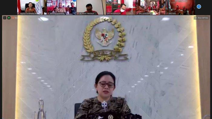 Ketua DPR RI sekaligus Ketua DPP PDIP Puan Maharani menyampaikan pembangunan bidang kesehatan harus merata di seluruh Indonesia dalam Webinar IV Peringatan Bulan Bung Karno, Selasa (30/6/2020).