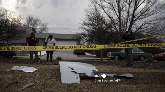 Reaksi Penumpang United Airlines saat Mesin Pesawat Meledak di Udara