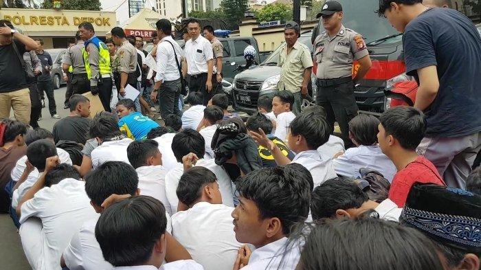 Lewat WhatsApp, Sejumlah Pelajar SMA dan SMP di Depok Janjian Ikut Demo di DPR