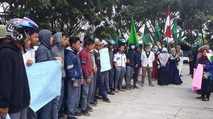 Mahasiswa Tolak Puluhan Siswa SMK yang Ingin Bergabung Demo