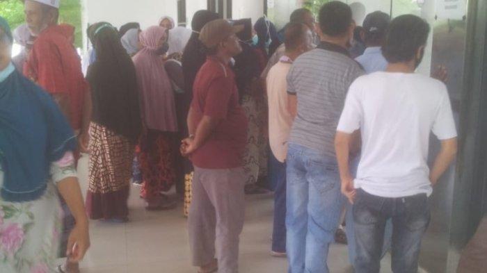 Puluhan Warga Geruduk Kantor Bupati Pidie Jaya, Minta Bantuan Uang Tradisi Meugang, Iki Kata Pemkab