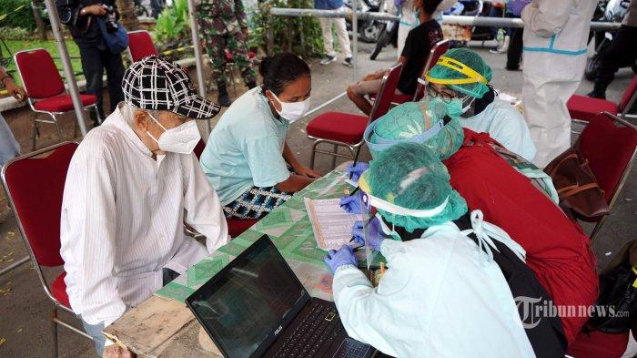 Polda Metro, TNI dan Pemprov DKI Sediakan 400 Dosis Vaksin Covid-19 untuk Warga RW 09 Kayu Putih
