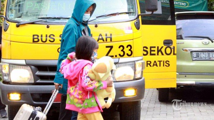 Corona Melonjak, DPR Usul Percepat Kelulusan Dokter Perawat untuk Bantu Nakes