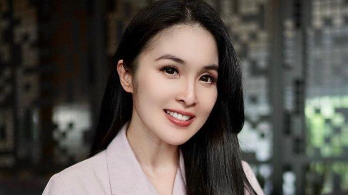 Sandra Dewi Curhat Pacaran Beda Keyakinan di Masa Lalu, Cerita Kisah Cinta dengan Pria Tampan Ini?