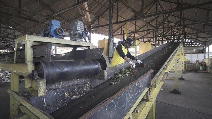 Tekan Penumpukan Sampah, Pupuk Kaltim Luncurkan Program TPST dan Budidaya Black Soldier Fly