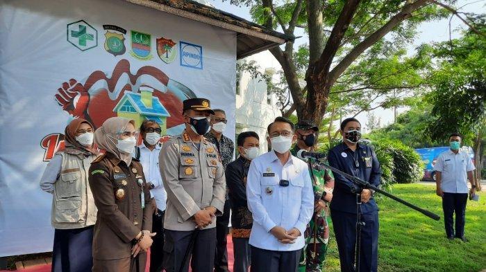 Kapasitas 660 Bed, Rumah Isolasi Terpusat untuk Pekerja Pabrik Terpapar Covid Didirikan di Bekasi