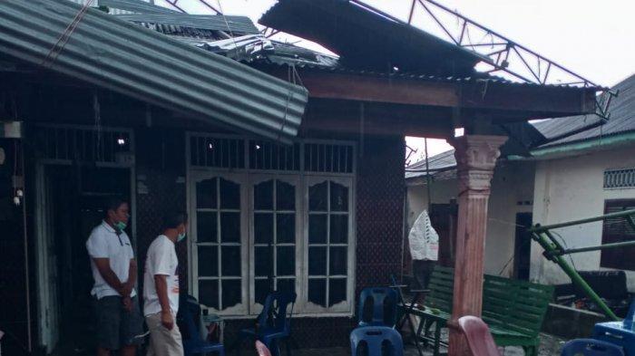 Terjangan Angin Puting Beliung di Deli Serdang Rusak 56 Rumah Warga