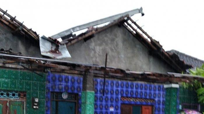 Puting Beliung Terjang Klaten, Puluhan Rumah Warga Rusak, Sejumlah Pohon Tumbang