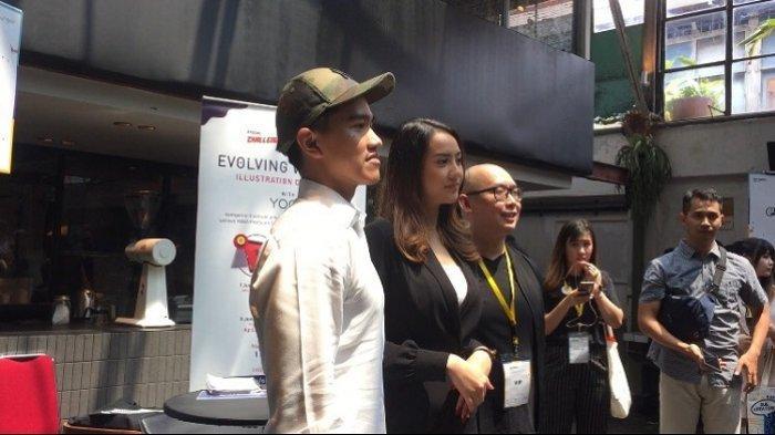 Putra Presiden Joko Widodo, Kaesang Pangarep dan selebgram Anya Geraldine berfoto bersama di M Bloc Space, Melawai, Jakarta Selatan, Minggu (3/11/2019).