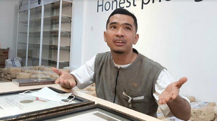 Putra Siregar ketika ditemui disela-sela acara pemberian rekor MURI qurban kepadanya, di Jalan Raya Condet, Jakarta Timur, Jumat (31/7/2020).