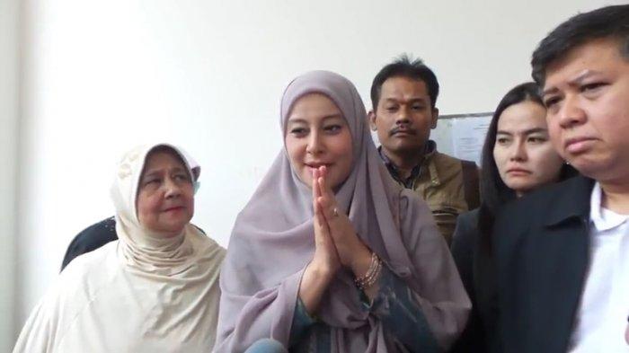 Curiga Pembantunya Jadi Mata-Mata Buat Suami, Putri Aisyah: Gerak-geriknya Memang Aneh