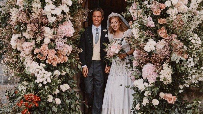 Istana Buckingham Rilis Foto Pernikahan Putri Beatrice dengan Taipan Properti Edoardo Capelli Mozzi