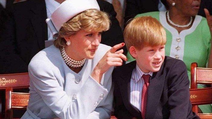 Koki Kerajaan Inggris ungkap salah satu momen saat <a href='https://kupang.tribunnews.com/tag/putri-diana' title='PutriDiana'>PutriDiana</a> beri catatan khusus terkait dengan Pangeran Harry.