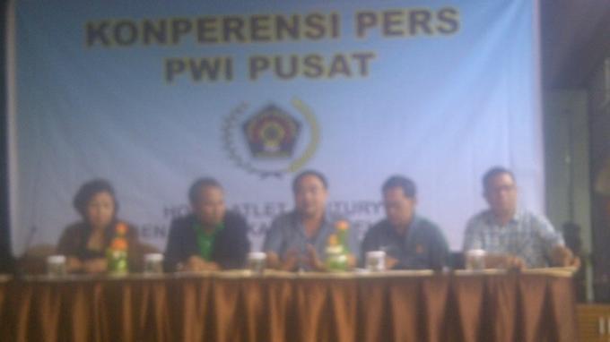Ketua Persatuan Wartawan Indonesia Minta Imam Nahrawi Cabut Pembekuan PSSI Sekarang Juga