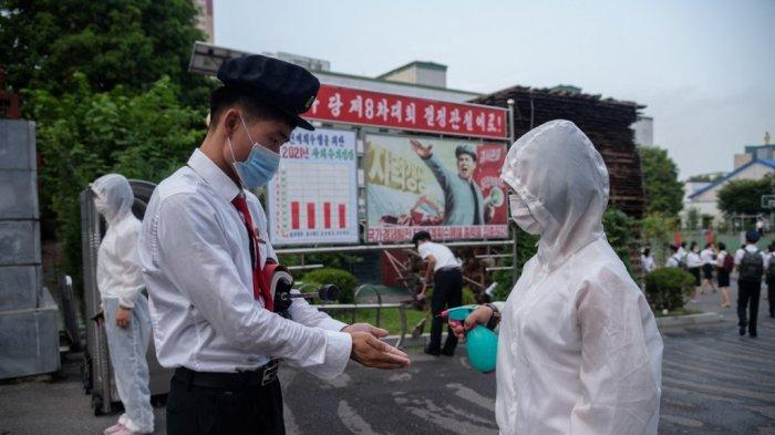 Lacak Kasus Covid-19, Aparat Korea Utara Lakukan Patroli Datangi Rumah ke Rumah