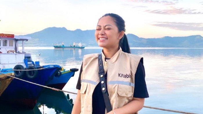Galang Dana hingga Rp 1 M, Rachel Vennya Sambangi Korban Banjir Bandang NTT Bersama Tri Rismaharini
