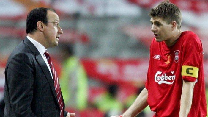Rafael Benitez dan Steven Gerrard