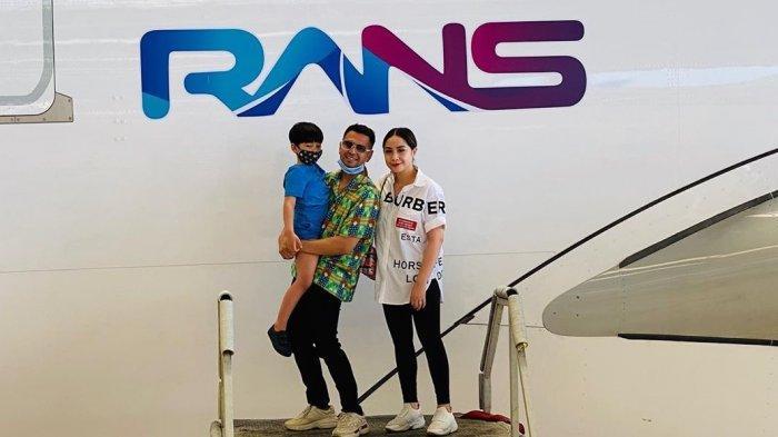 Intip Kehebohan Raffi Ahmad & Nagita Slavina Kunjungi GMF, Masuk Kokpit Pesawat, Pamer Logo RANS