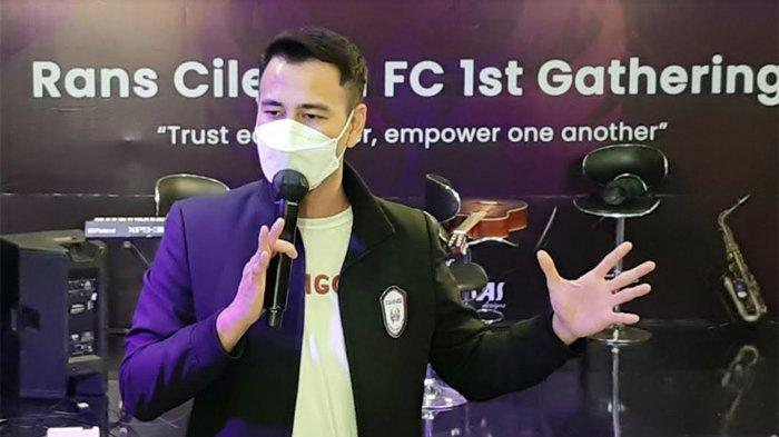 Raffi Ahmad Bagikan Baju, Jaket dan THR, Juga Janjikan Hadiah Mobil pada Pemain RANS Cilegon FC