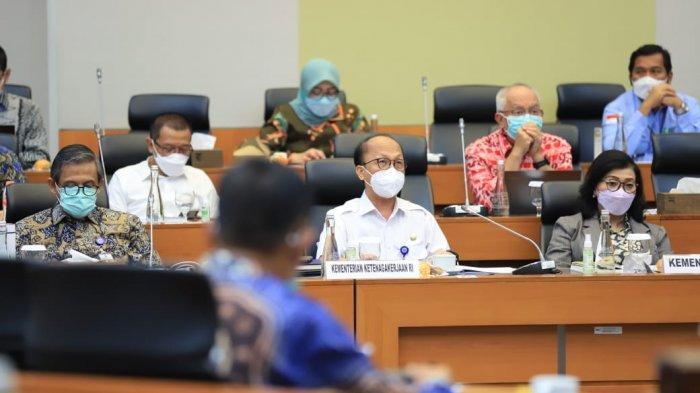 Kemnaker Segera Koordinasi Persiapan Kepulangan 7300 Pekerja Migran dari Malaysia