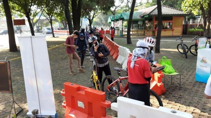 Ragunan dan Taman Mini Dibuka Lagi, Langsung Diserbu, Antrean Pesepeda  Mengular, Begini Suasananya - Tribunnews.com Mobile