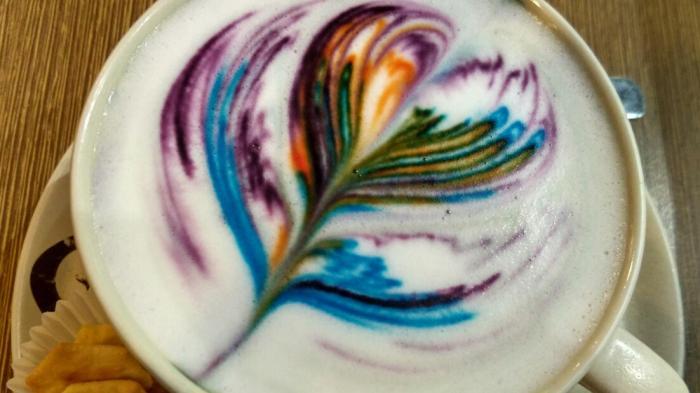 Rainbow Latte Art di Black Canyon Coffee Tunjungan Plaza 3 Surabaya