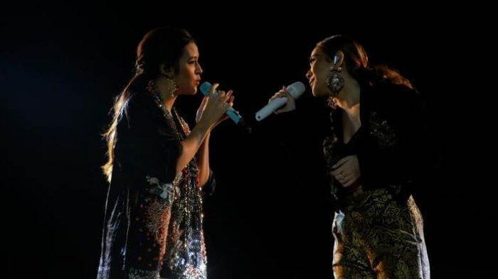 Pesona Raisa dan BCL Dalam Balutan Batik Bernyanyi di Candi Prambanan