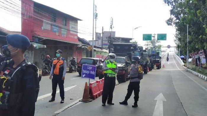 Guna Minimalisir Kemacetan, Polisi Beri Pelonggaran Akses Melintas di Pos Penyekatan Lenteng Agung