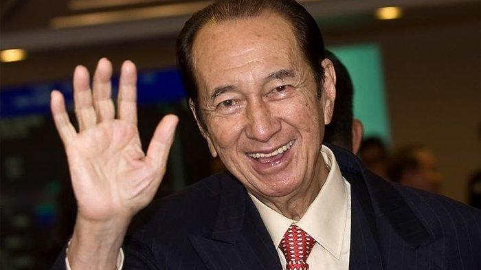 Stanley Ho menghadiri upacara pencatatan perusahaan miliknya, SJM Holdings Limited di Hong Kong.