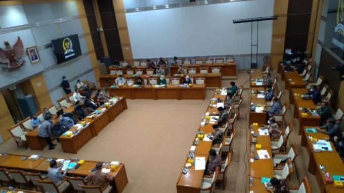 Komisi VIII DPR Gelar Raker dengan Menag Bahas Penyelenggaraan Umrah di Masa Pandemi Covid-19