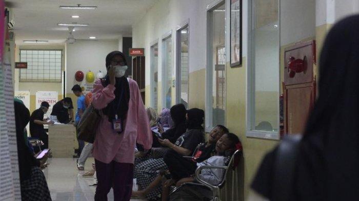 Seorang pasien suspect virus corona di Kabupaten Cianjur Jawa Barat meninggal dunia setelah sempat dirawat tiga hari di rumah sakit.