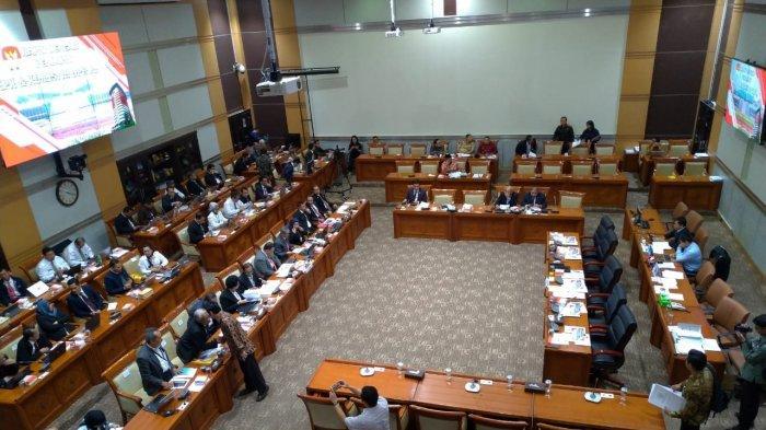 Komisi III Gelar RDP dengan Pimpinan dan Dewan Pengawas KPK