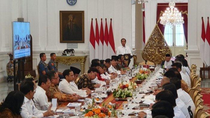 Pengamat Beberkan Indikasi Ketidakkompakan Kabinet Jokowi dalam Penanganan Covid-19