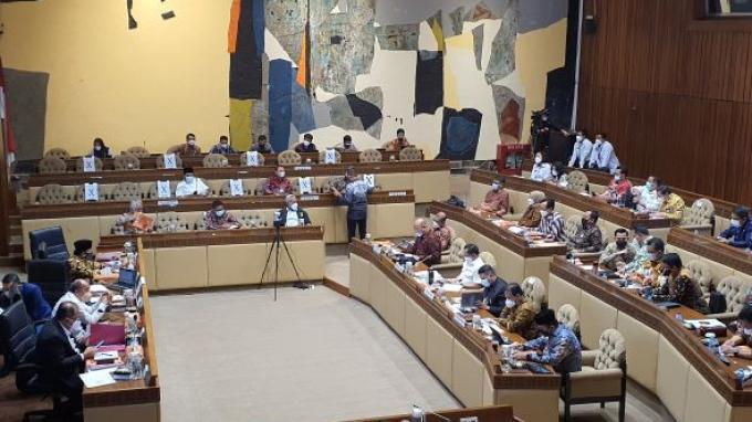 Rapat kerja Komisi II DPR RI bersama Mendagri, KPU, Bawaslu dan DKPP membahas penyelenggaraan Pemilu 2024 dan Pilkada Serentak 2024, Kamis (16/9/2021).