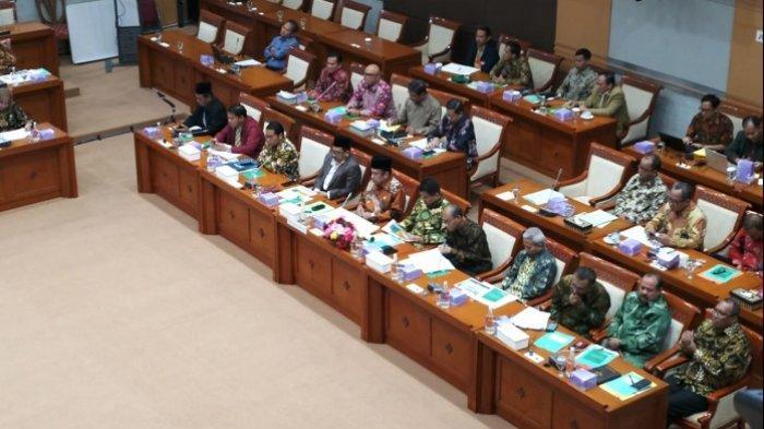 Menteri Agama Klarifikasi Soal Larangan Bercadar dan Celana Cingkrang Saat Rapat Dengan DPR