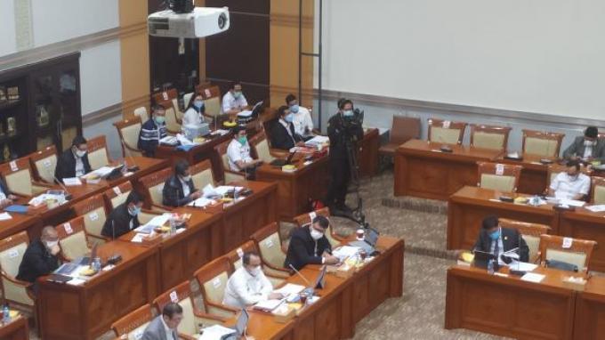Menkumham Yasonna Laoly ketika menghadiri rapat kerja dengan Komisi III DPR RI, di Ruang Rapat Komisi III, Gedung Nusantara II, Kompleks Parlemen, Senayan, Jakarta, Rabu (9/6/2021).