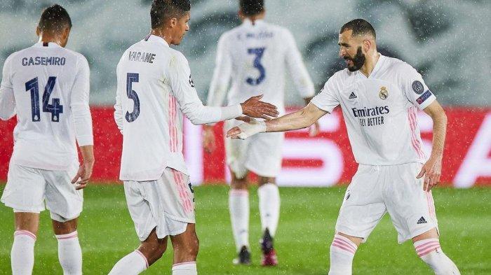 Raphael Varane dan Karim Benzema
