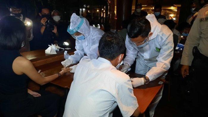 Petugas Gabungan Sidak Tempat Hiburan Malam di Bekasi, Ada Pengunjung Reaktif Covid-19